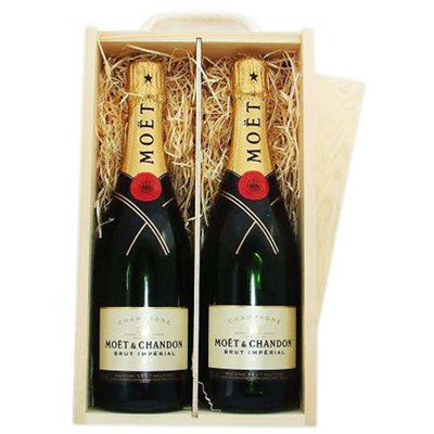 2 x Moet & Chandon Brut Double Wooden Gift Boxed Champagne