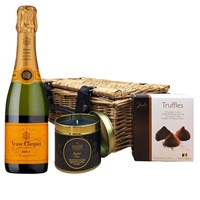 Half Veuve Clicquot Yellow Label 37.5cl Champagne & Candle Hamper