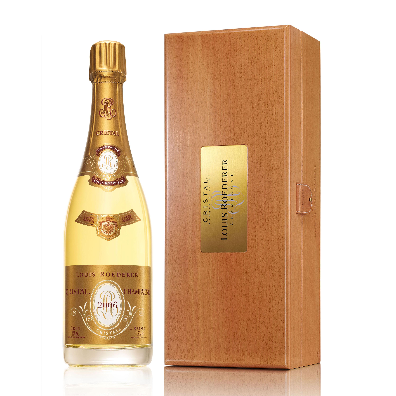 send magnum of louis roederer cristal cuvee prestige 1 5l cristal magnam champagne gift. Black Bedroom Furniture Sets. Home Design Ideas