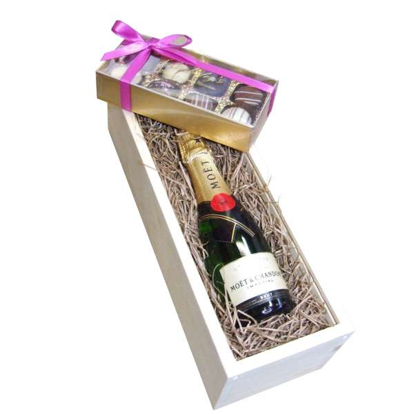 Send Half Bottle Moet & Chandon (37.5cl) and Truffles in Wooden Box Gift Set